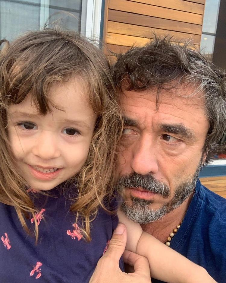 Pablo Granados y su nieta Bernardita