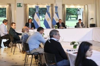 Alberto Fernández recibió en la quinta de Olivos a los movimientos sociales