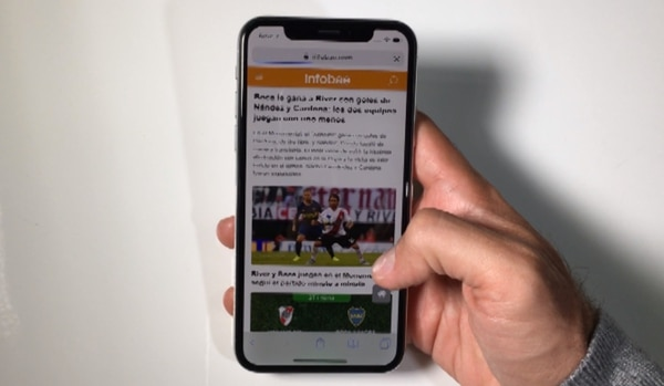 "El ""home"" de la plataforma noticiosa de Infobae.com en el nuevo display OLED del iPhone X"