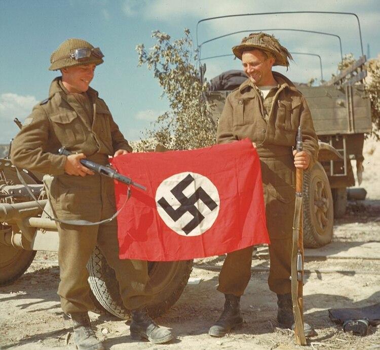Pagina Histórica de Hoy (Mundial) Invasion-en-Normandia-a-color-SF-7