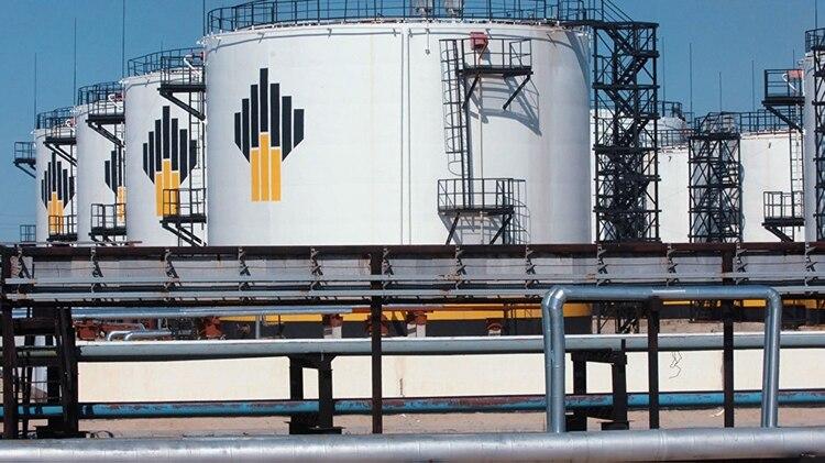 La petrolera rusa Rosneft continúa negociando con PDVSA pese a las sanciones