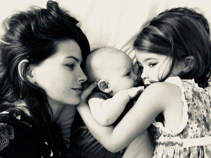 La China Suárez suele compartir en las redes sociales fotos con sus hijas