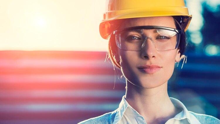 53c08d6168 A las mujeres en la ciencia, tecnología e ingeniería se les paga menos por  sus