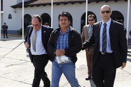 """Juan Alberto Ortiz López, conocido por su alias """"Chamalé"""", camino a ser extraditado a los Estados Unidos. (Foto Nómada)"""