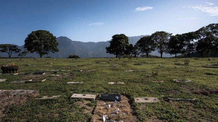 La tumba de Rafael Acosta, un capitán de la marina retirado que murió bajo custodia del gobierno. Fue electrocutado, entre otras cosas (Adriana Loureiro Fernández para The New York Times)