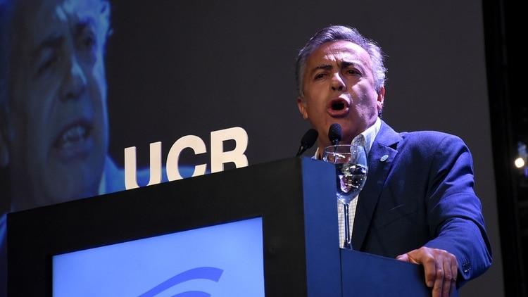 Alfredo Cornejo habló durante media hora en medio de insultos