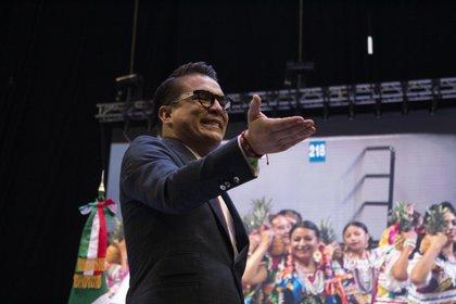 Gerardo Islas también estuvo en el escenario de la CATEM (Foto: Juan Vicente Manrique/Infobae)