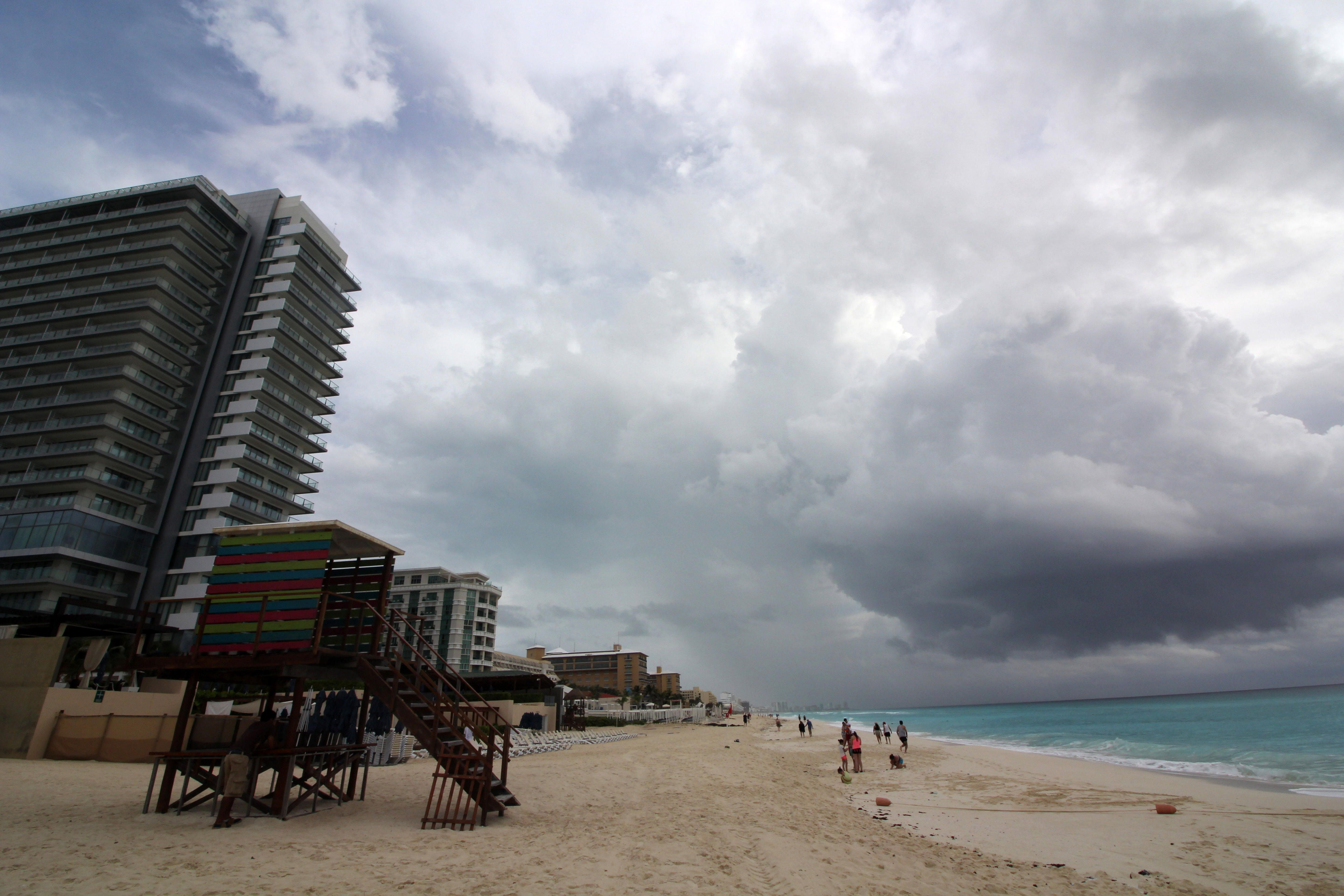 Protección Civil de Cancún emitió la alerta. (Foto: EFE)