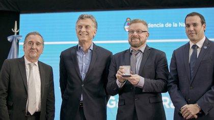 En el Museo de Casa Rosada, el presidente Mauricio Macri y el ministro de Ciencia, Tecnología e Innovación Productiva, Lino Barañao, encabezaron la ceremonia de entrega de la Distinción al Investigador de la Nación Argentina