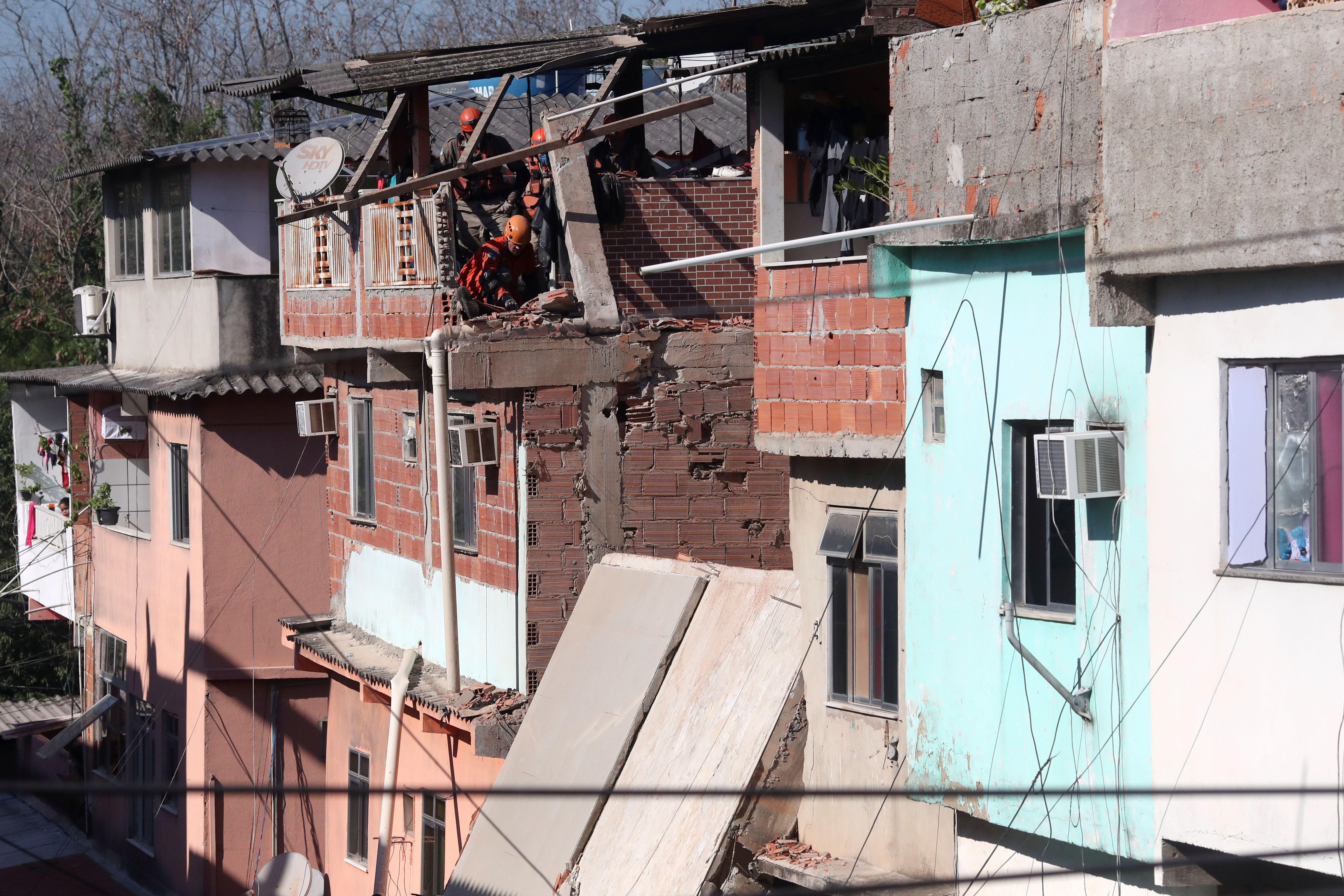 El edificio estaba en un barrio de construcciones precarias (REUTERS/Ricardo Moraes)