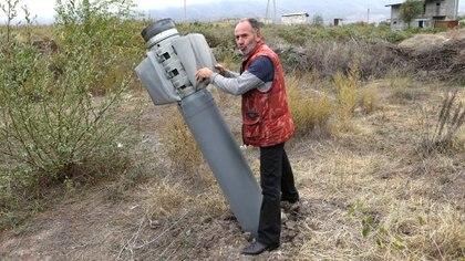 Estalla conflicto entra Armenia y Azerbaiyán  EIVD44MRV5EKTJQFIPX7E4XNHI