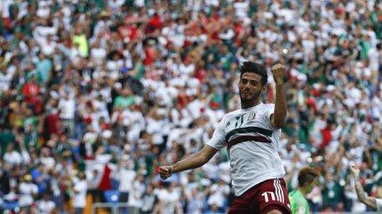 Carlos Vela celebrando su gol en la Copa Mundial de la FIFA en Rusia 2018 (AP Photo/Eduardo Verdugo)