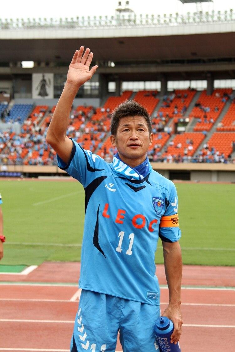 Miura renovó durante una temporada más con el Yokohama de la liga profesional del fútbol de Japón y seguirá jugando a los 53 años