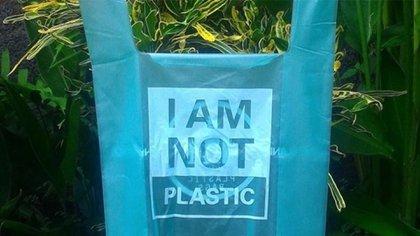 Las novedosas bolsas ecológicas son económicas, biodegradables y comestibles (Avani)