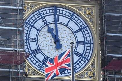 La variante del Reino Unido ya está presente en más de 100 países, incluida la Argentina, y en Estados Unidos se duplica cada 10 días (REUTERS/Toby Melville)