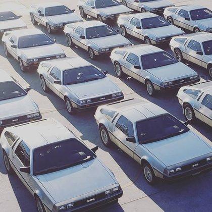 Los DeLorean DMC-12 listos para su distribución, a principios de los 80. (DeLorean Motor Company)
