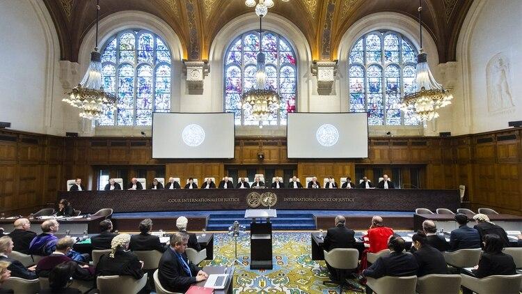 Molteni explica que la decisión tomada por la Corte Internacional de Justicia respecto al caso Chagos, también es aplicable al caso Malvinas. Foto: Archivo DEF.