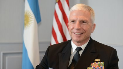 """""""Yo he venido a escuchar al nuevo comando de las Fuerzas Armadas argentinas para aprender de ellos"""", sostuvo el almirante"""