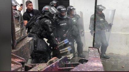 Esmad usó el lanzador de proyectiles Venom en tierra y directo contra manifestantes en Popayán