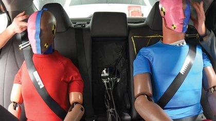 En algunos casos los pasajeros de atrás salieron con peores heridas que los pasajeros al frente (Foto: iihs.org)