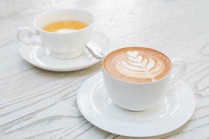 Cafe, mate y te pueden provocar manchas en los dientes (iStock)
