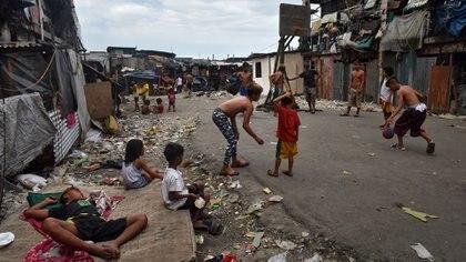 Los chicos en la pobreza pierden oportunidades que luego les resulta muy difícil obtener (Getty)