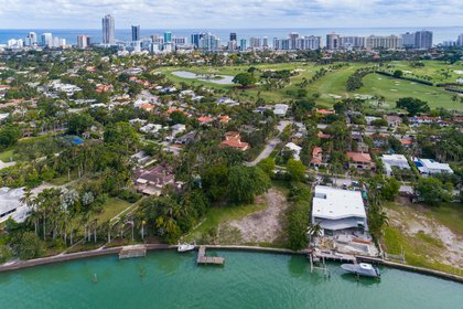 Crédito: THE WATERFRONT TEAM AT ONE SOTHEBY'S INTERNATIONAL REALTY
