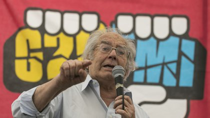 Adolfo Perez Esquivel (Photo by Alberto RAGGIO / AFP)