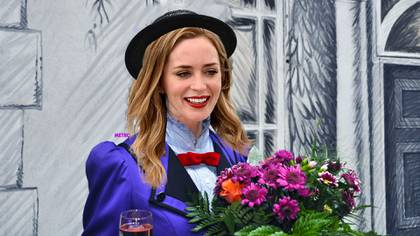 Emily Blunt como Mary Poppins en Mary Poppins Returns