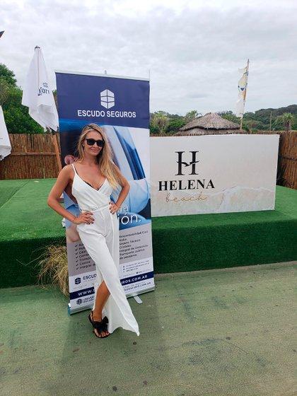 Melina Pitra, en Helena Beach