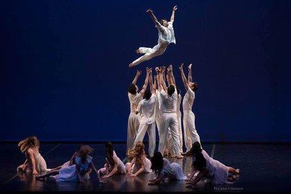 """""""El mar"""", con el Ballet y Orquesta Estables del Teatro Argentino de la Plata. (Facebook de Oscar Araiz)"""