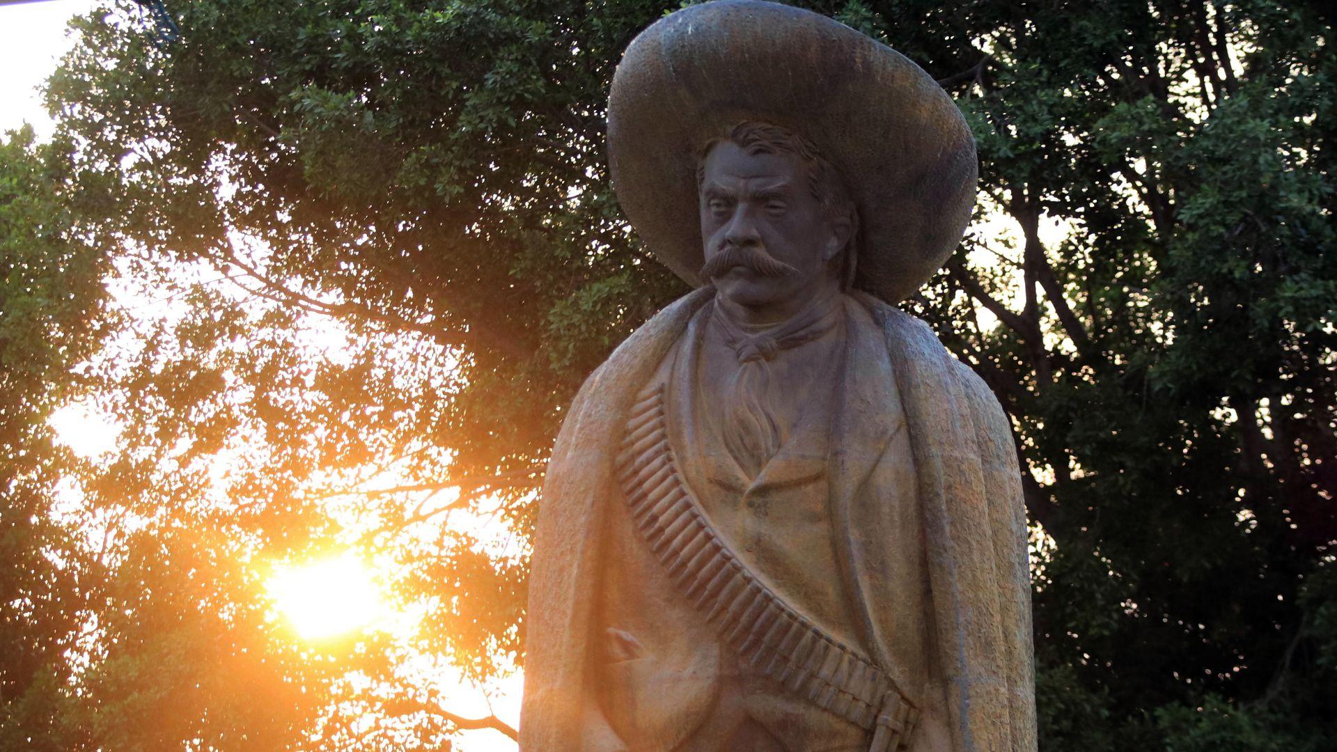 Este año se celebraron 102 años de la muerte del Caudillo del Sur (FOTO: MARGARITO PÉREZ RETANA /CUARTOSCURO)