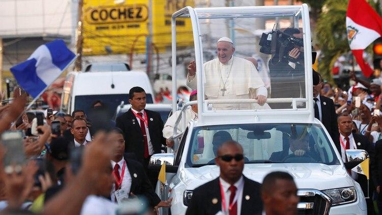 El vaticano declaró que el papa Francisco sigue de cerca los acontecimientos en Venezuela