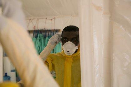 15/01/2020 El doctor Thomas Massaquoi, del 34 Military Hospital, Trials Clinician: RAPIDE-TKM trial team, contra el ébola POLITICA SALUD UNIVERSIDAD DE GLASGOW