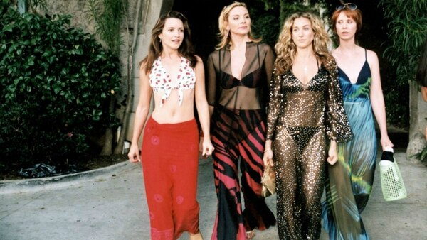 Charlotte, Samantha, Carrie y Miranda, las cuatro protagonistas de Sex and the City durante la serie visitaron la famosa mansión de la revista Playboy