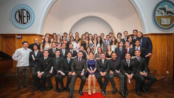 Daniela Valdés forma parte del grupo de  egresados del Instituto Balseiro en 2017