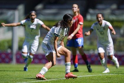 The women's trio beat Costa Rica on their return to Azteca (Photo: Twitter @ miseleccionmx)