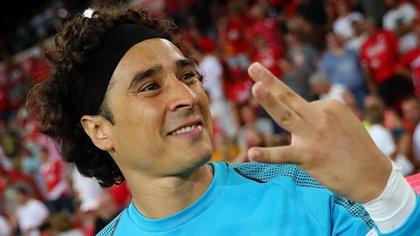 Memo Ochoaserá el sustituto de Marchesín en el equipo azulcrema(Foto: Standard Liege)