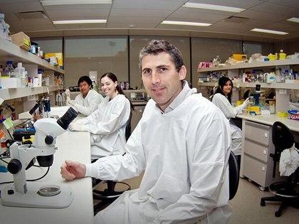 Antes de la enfermedad. En 2014, el biólogo justin Yerbury ya se destacaba en el mundo de la biomedicina por sus trabajos sobre las enfermedades de las neuronas motoras