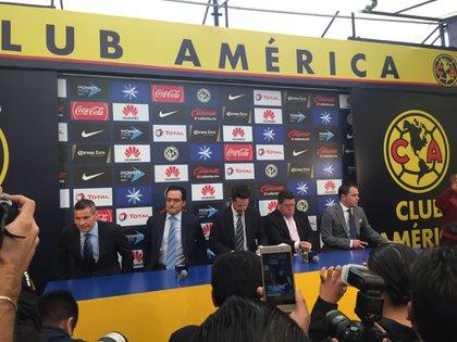 Mauricio Culebro y Miguel Herrera coincidieron en el Club América desde 2017 (Foto: Twitter/@ZaritziSosa)