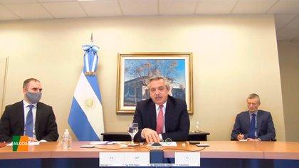El presidente estuvo acompañado por el ministro de Economía, Martín Guzmán.