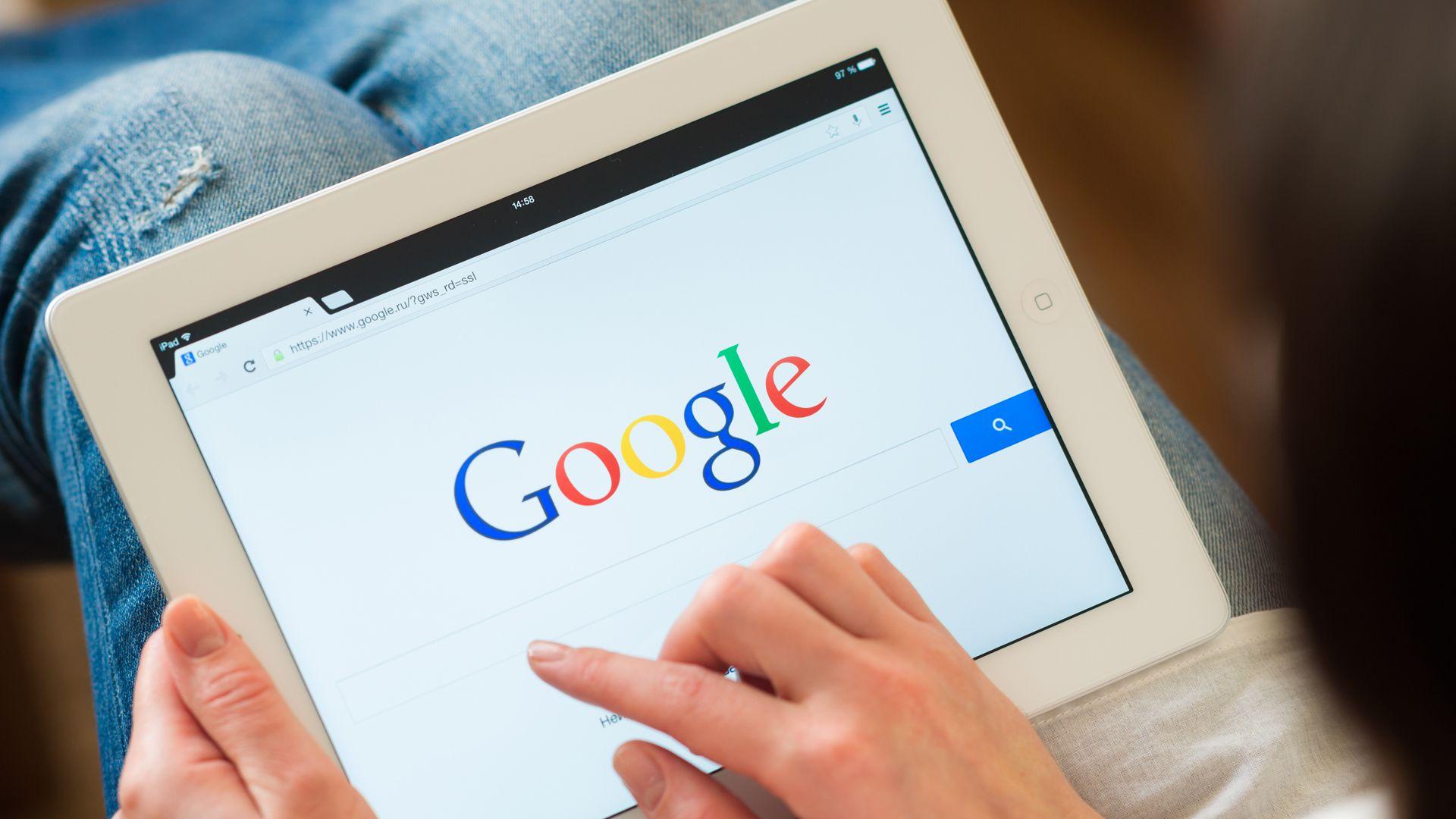 """Además, de cubrir las vulnerabilidades, la nueva versión de Google Chrome tiene interesantes funciones como el modo oscuro o el """"Password Checkup"""". (Foto: Shutterstock)"""