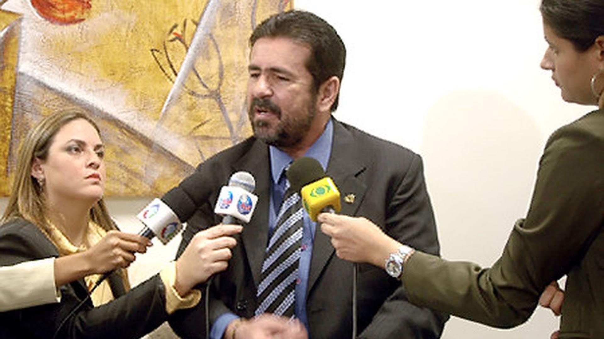 Wallace Souza fue acusado de matar al menos a cinco personas para presentar sus casos en su programa de televisión Canal Livre de Brasil Foto: Archivo