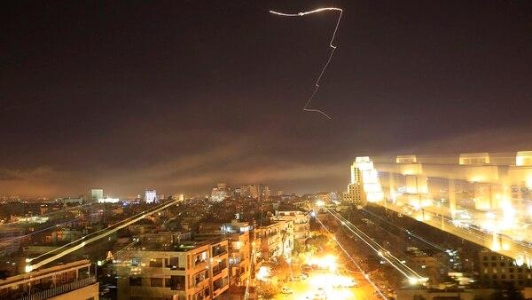 Los bombardeos tuvieron como objetivos fábricas de armas químicas (AP)