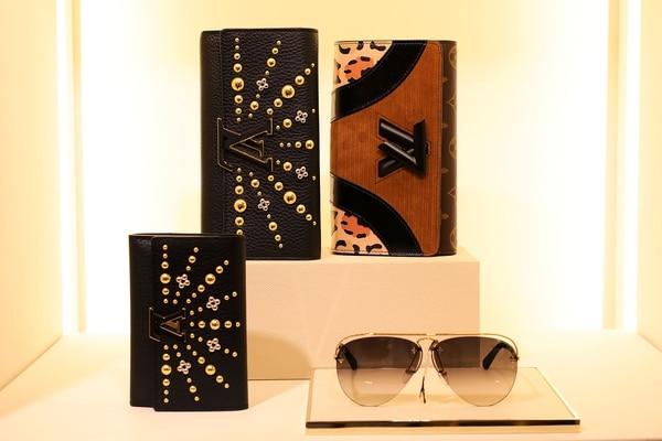 Clutchs, billeteras y anteojos de sol