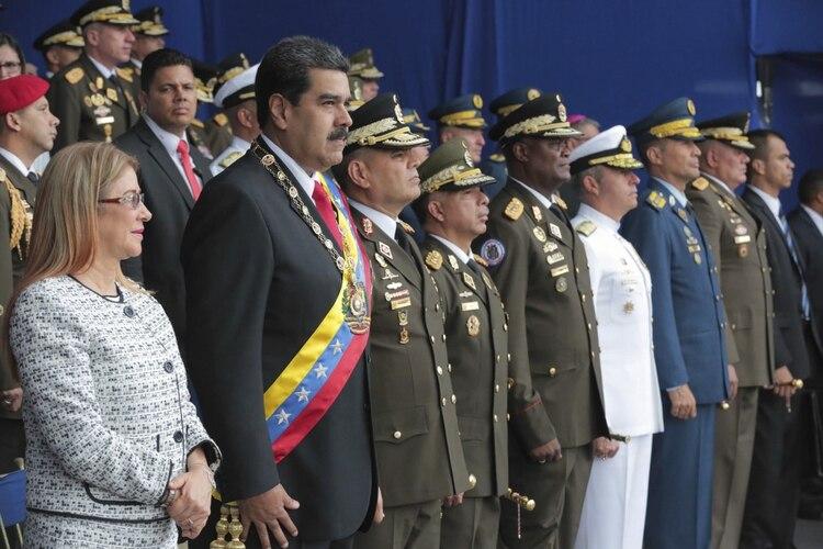 Nicolás Maduro durante el acto en que fue supuestamente amenazado (Miraflores Presidential Palace via AP)