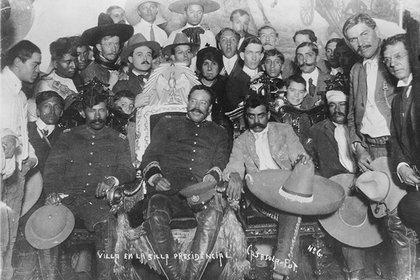 Reunión de Francisco Villa y Emiliano Zapata (Foto: AHUNAM)