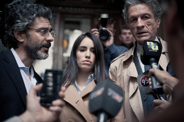 """En """"Acusada"""" acompañan a Lali, Leo Sbaraglia, Ines Estevez, Daniel Fanego, Gael Garcia Bernal y Gerardo Romano entre otros."""