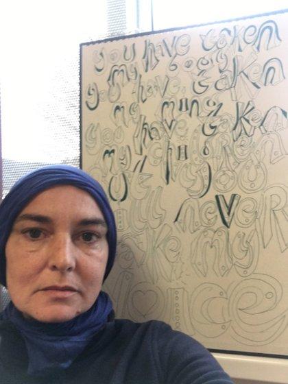 Sinead O'Connor se cambió el nombre a Shuhada Davitt