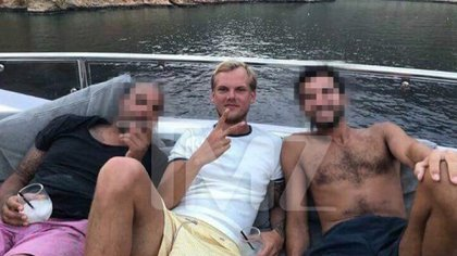 Una de las últimas fotos de Avicii antes de quitarse la vida  en Omán